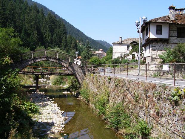 Широка лъка сводест мост - 1