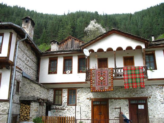 Широка лъка - къща - черги, килими